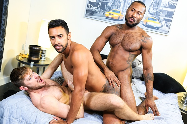 Hung black muscle top Noah Donovan fucks Jay Alexander and Jack Andy at Extrabigdicks
