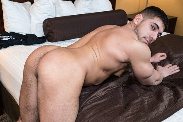 Hot beefy stud Damien Stone makes his bottoming debut at Realitydudes