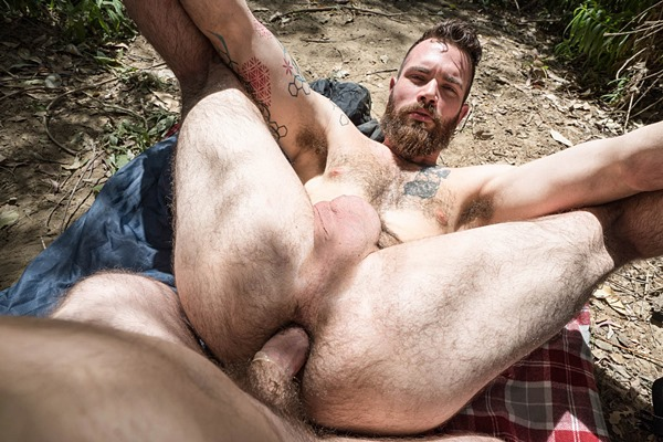 Hot bearded straight guy Devin gets fucked for the first time at Realitydudes