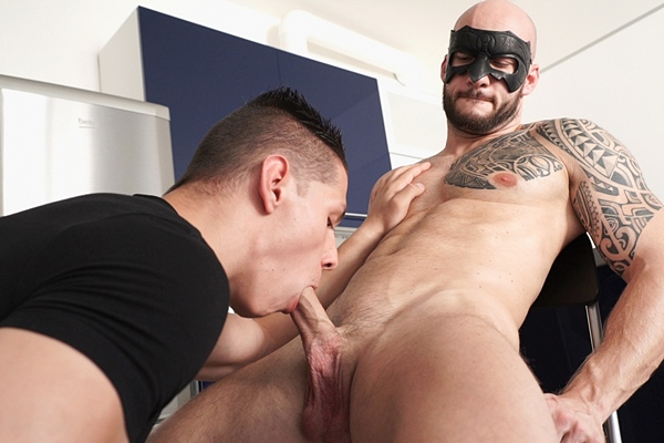 Peter Lipnik worships, sucks and jerks David Boss at Maskurbate