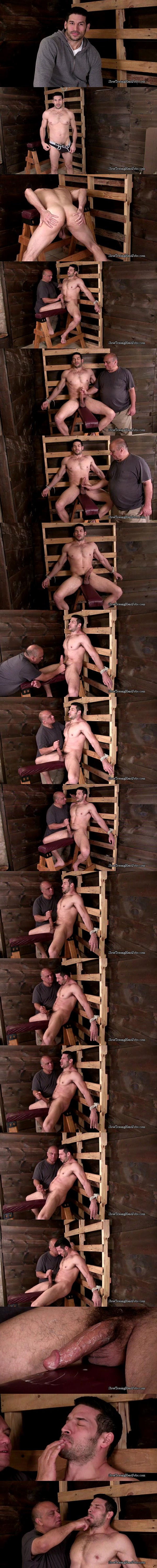 Italian muscle hunk Greg (aka Leo Giamani) slowly jerked off at Slowteasinghandjobs 02