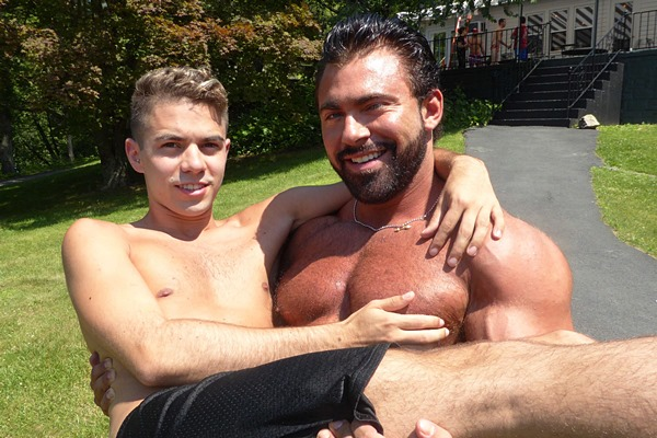 Muscle Hunk Steve Roman Barebacks Levi in Twinkie and The Beast at Maverickmendirects