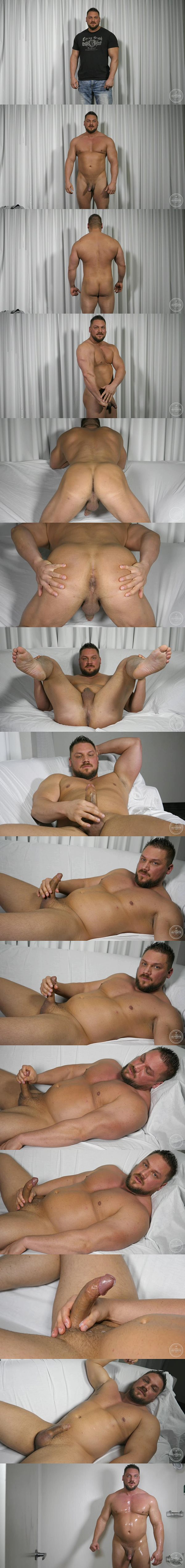 Masculine straight beefcake Randy Stone jerks off in 5 in a Day at Theguysite