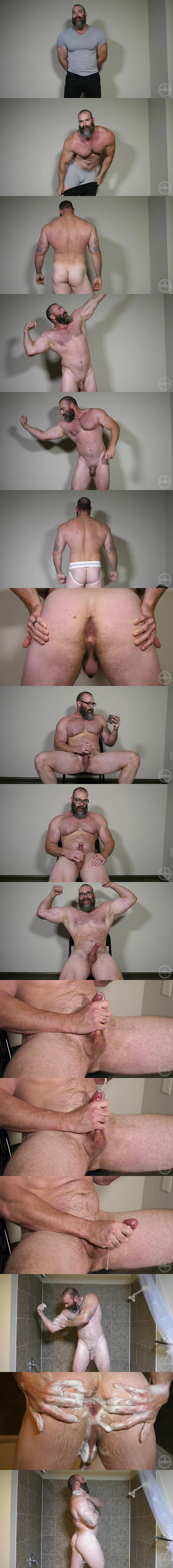 Muscle tower Slick Rick shows off his naked body and jerks off in Peek-A-Boo at Theguysite