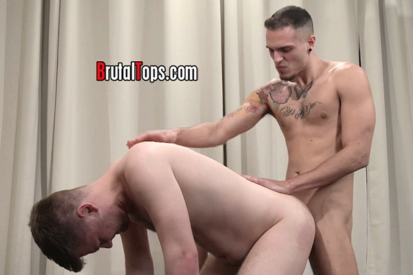 Inked young master Leo Costa fucks a chubby sub in Session 407 at Brutaltops