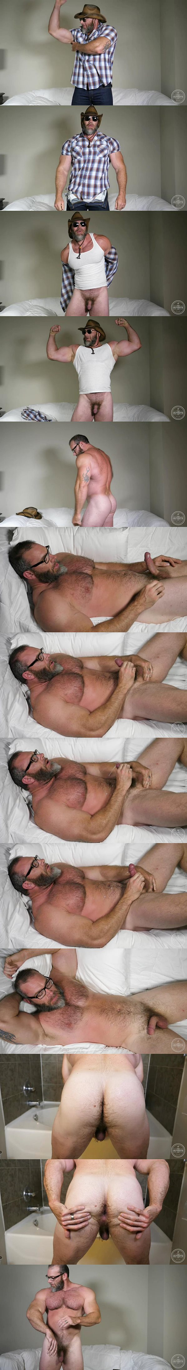 Fuzzy daddy bear Slick Rick wanks off in Muscle and Full Body Hair at Theguysite