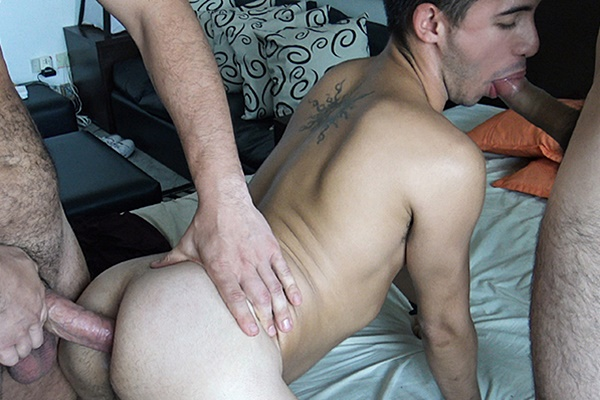 A slutty latino jock gets fucked bareback by three guys in Numero 17 at Latinleche