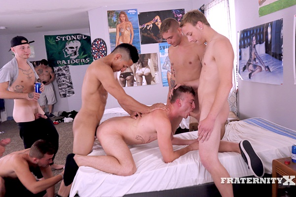 Frat dudes Aaron, Carlos Garcia, Jonas, Mateo and Matthew Marshall gang bang breed Zander in Hit Dat at Fraternityx