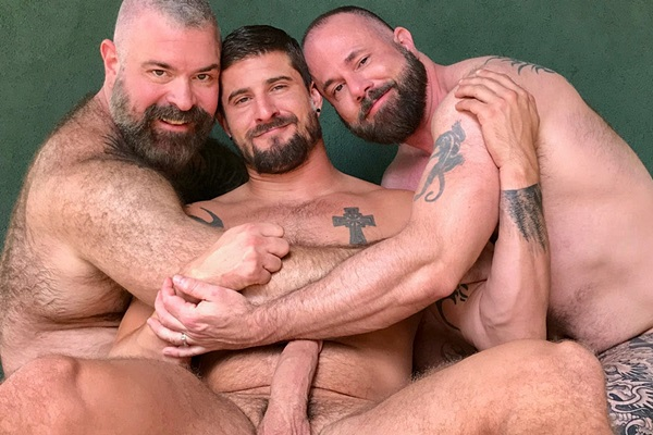 Will Angell barebacks and creampies Liam Angell and Sean Maygers in an older younger threeway at Musclebearporn