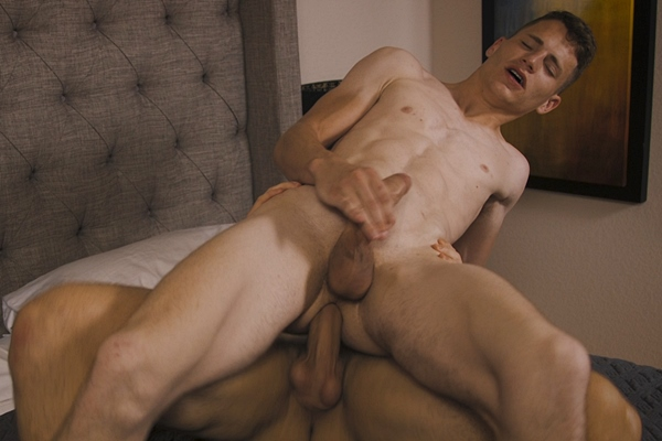 Elian barebacks and fucks the cum out of Jack in Jack's bottoming debut at Corbinfisher