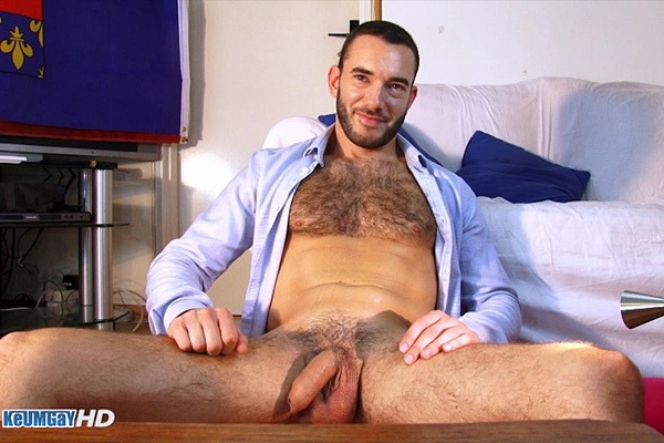 Handsome straight camera operator David massaged, serviced, sucked, stroked and edged at Keumgay