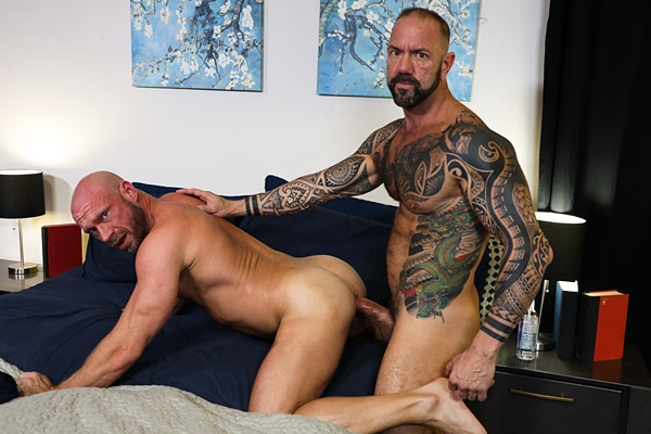Inked stud Vic Rocco barebacks muscle daddy Killian Knox in Killian's bottoming debut at Pridestudios
