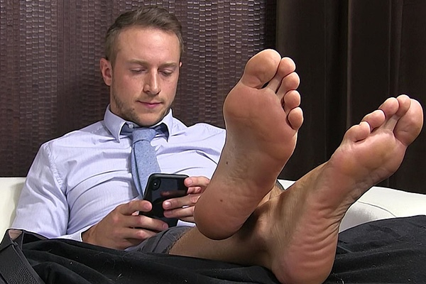 Handsome boss Kenny (aka Doc Tay Tay at Gayhoopla) gets his socks and bare feet worshiped and serviced by Drake Tyler at Myfriendsfeet