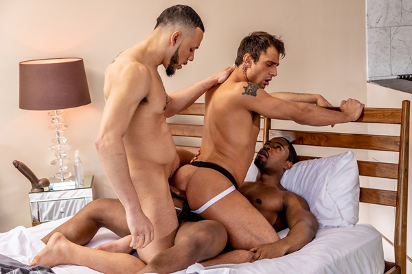 Muscle hunk DeAngelo Jackson and Elijah Wilde bareback newcomer Jarret Moon before they give Jarret two facials in an interracial threesome in Dick Swap at Noirmale