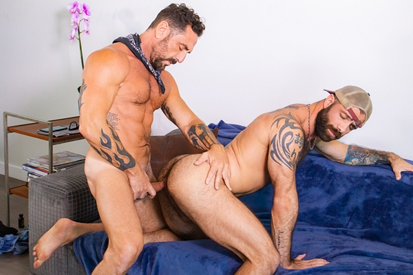 Masculine daddy Vince Parker barebacks inked bearded stud Jake Nicola before Jake fingers the cum out of Vince and cums in Vince's mouth in Anonymous Catfish at Masqulin