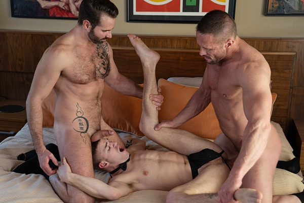 Macho daddy Myles Landon and Dani Robles tag team and bareback cute twink Tom Bentley before they creampie Tom in an older younger threesome in Chapter 3 The Prize at Boyforsale