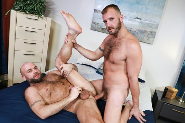 Masculine hairy daddy Chase Ryder and Jax Hammer take turns barebacking each other before Chase fucks the cum out of Jax in Chase's bottoming debut in Versatile Fur at Menover30